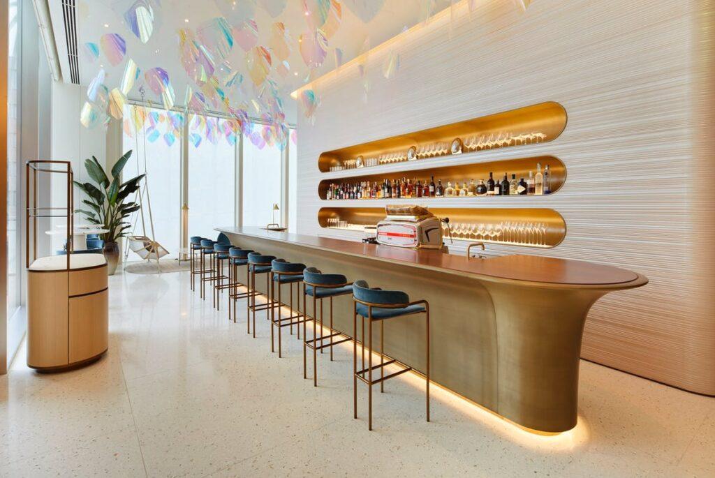 Restaurante em Osaka. Imagem by revista L'officiel.
